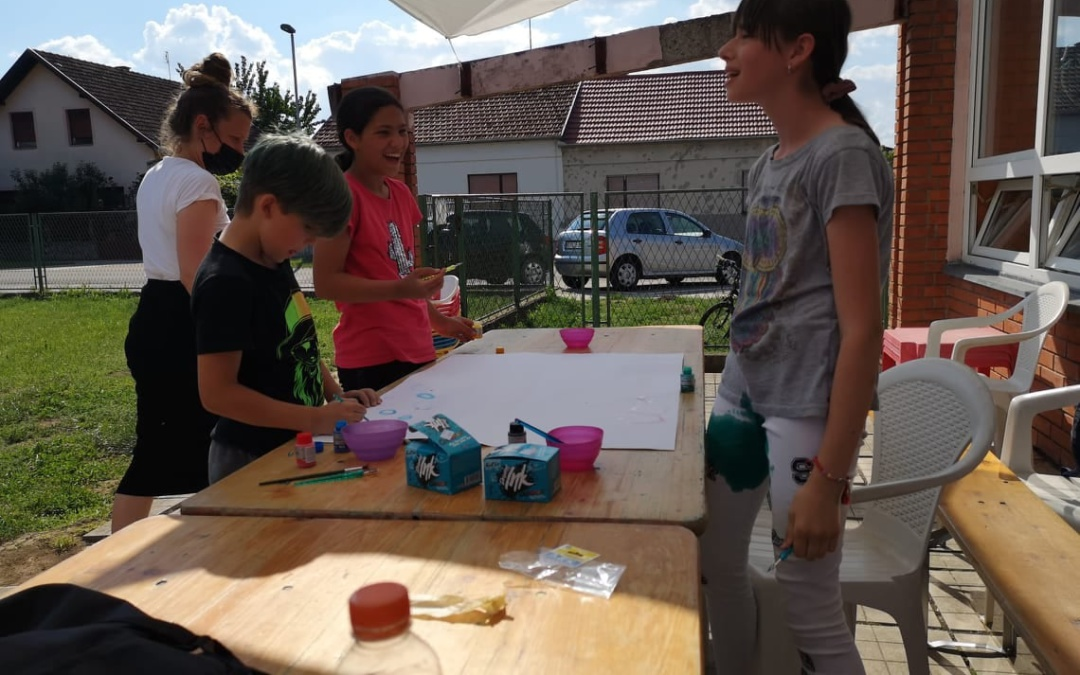 """Kreativna radionica  """"Igra tušem"""" u Vukovarskim leptirićima"""